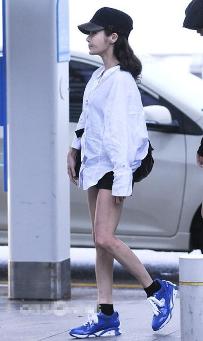 Những sao Hàn sở hữu đôi chân không đẹp 9