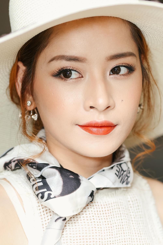 Những mỹ nhân trang điểm đẹp nhất show Lâm Gia Khang toàn chọn son cam và nude! - Ảnh 1.