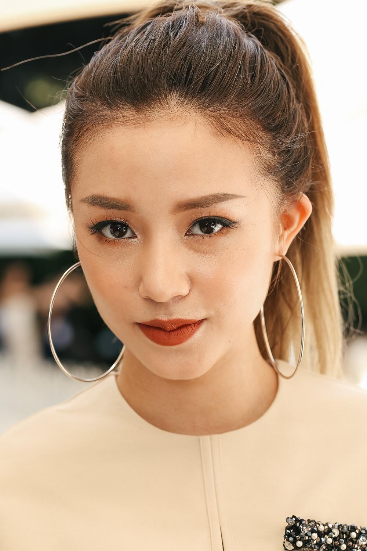 Những mỹ nhân trang điểm đẹp nhất show Lâm Gia Khang toàn chọn son cam và nude! - Ảnh 4.