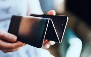 Chiêm ngưỡng smartphone gập 3 màn hình gập dị nhất thế giới, bóng bẩy hơn cả Galaxy Fold
