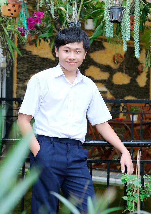 Tự viết trình duyệt web rồi bị đánh sập, cậu học sinh Kontum 15 tuổi này nói: Cứ để em tự đứng lên - Ảnh 4.