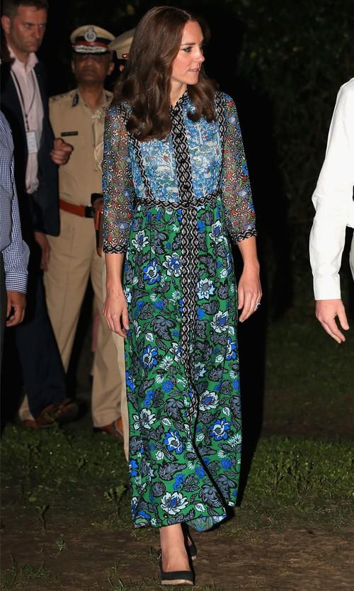 Công nương Kate chi hơn 1 tỉ VNĐ cho 17 bộ đồ trong tuần công du - Ảnh 11.