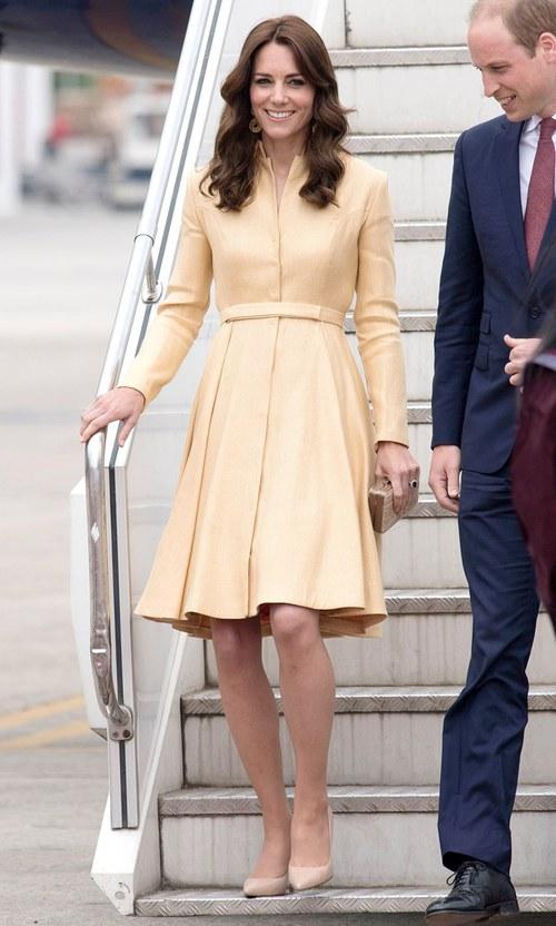 Công nương Kate chi hơn 1 tỉ VNĐ cho 17 bộ đồ trong tuần công du - Ảnh 16.