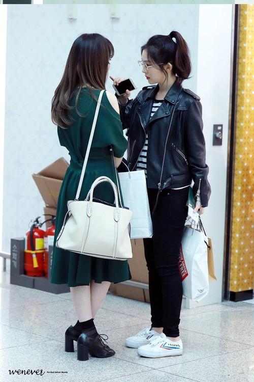Lý do khiến ai cũng bật ngửa đằng sau sở thích diện kính mọt sách hot trend của Irene (Red Velvet) - Ảnh 4.