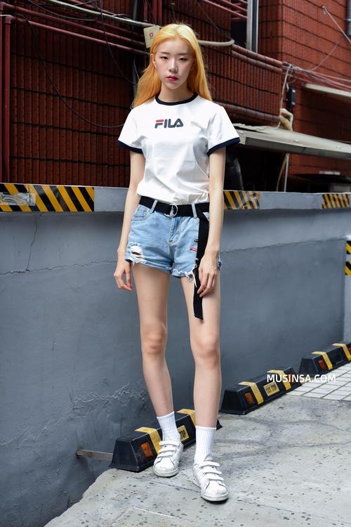 Ngắm street style Hàn Quốc đẹp phát mê, bạn sẽ dạt dào động lực mặc đẹp ngay! - Ảnh 1.