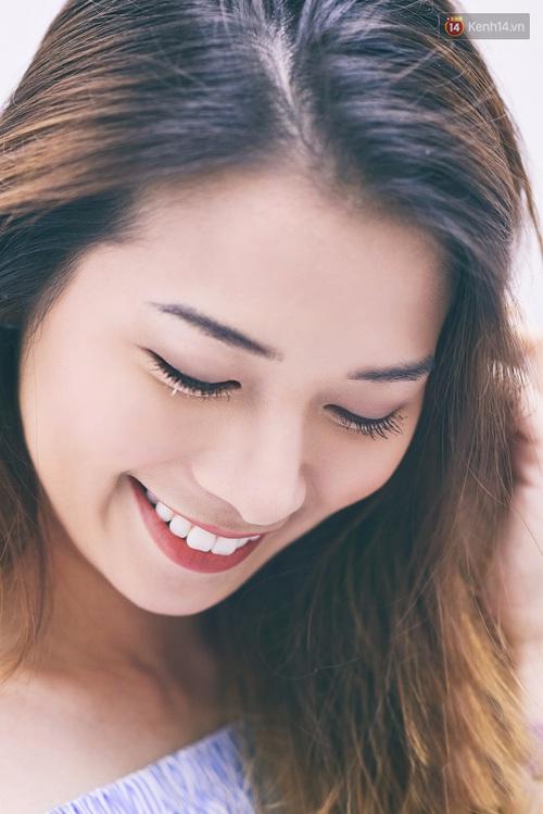 Clip: Cùng blogger Phương Ly khám phá các công dụng và cách dùng mascara thật chuẩn - Ảnh 3.