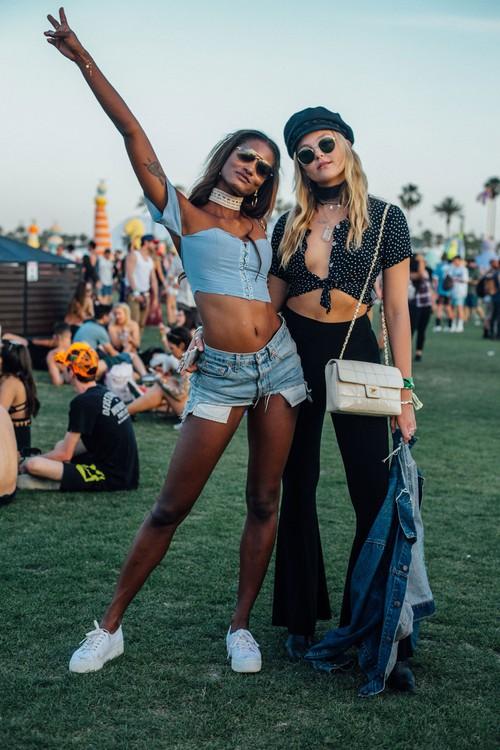 Selena Gomez và The Weeknd được Vogue chọn là cặp đôi mặc đẹp nhất Coachella 2017 - Ảnh 3.