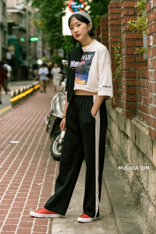 Giới trẻ Hàn lại mang đến cả tá gợi ý mặc đẹp mà chẳng cần cầu kỳ qua street style mãn nhãn - Ảnh 11.