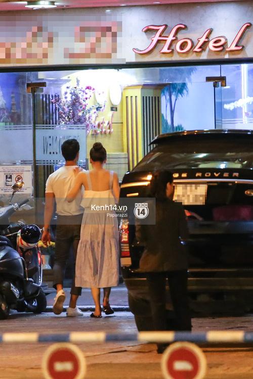 Hà Hồ - Kim Lý lại dính như sam, thân mật ngoài phố và cùng nhau về nhà lúc nửa đêm - Ảnh 11.