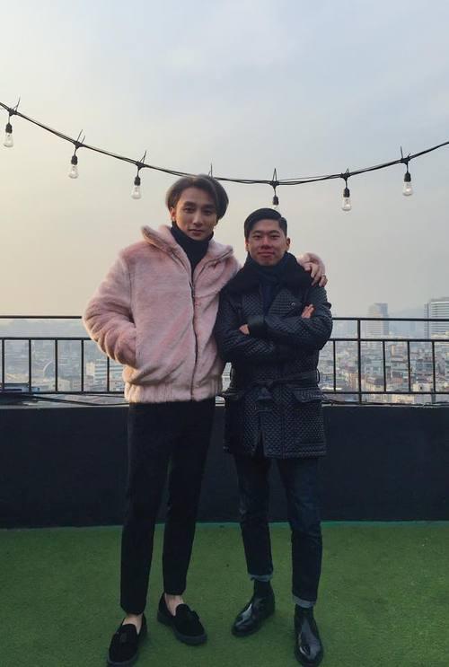 Không chỉ có giai điệu, MV Valentine của Sơn Tùng còn gây chú ý vì mặc toàn đồ Hàn size nữ! - Ảnh 1.