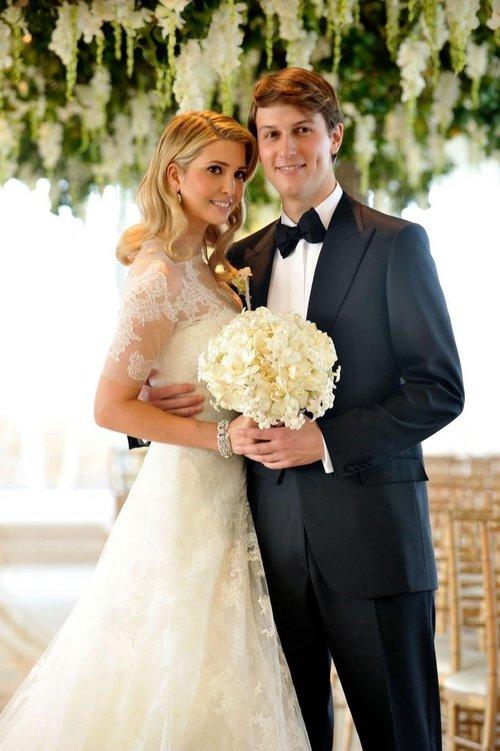 Bạn có nhận ra váy cưới của Hoa hậu Thu Thảo giống váy cưới của Công nương Grace Kelly đến bất ngờ? - Ảnh 12.