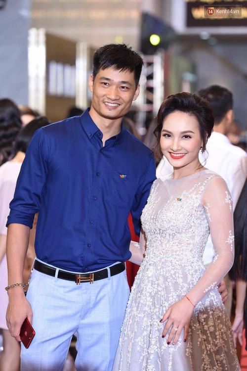 Không ai có thể hiểu nổi tại sao NSND Lan Hương và Anh Dũng lại bị bỏ quên tại VTV Awards - Ảnh 2.