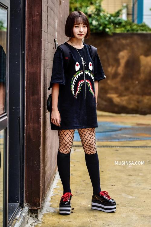 Cùng trưng dụng quần shorts nhưng giới trẻ Hàn lại có cả tá cách mix, cách nào cũng hút mắt thôi rồi! - Ảnh 7.