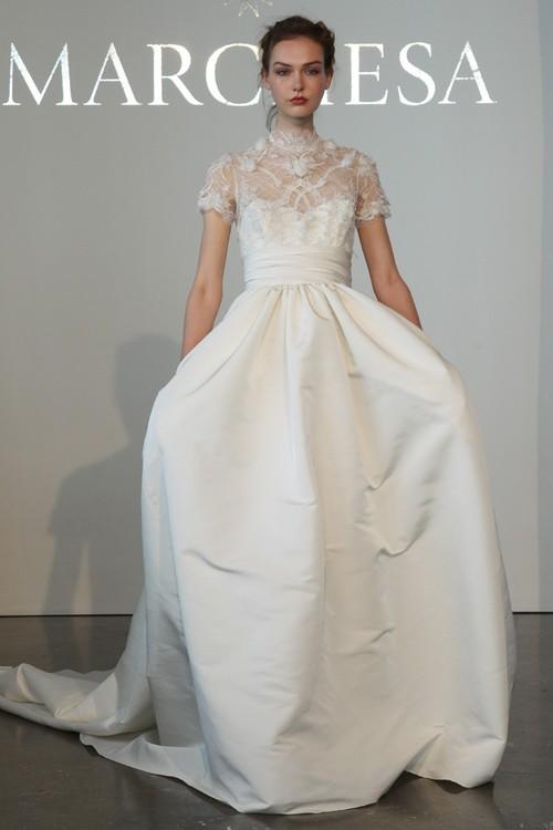 Bạn có nhận ra váy cưới của Hoa hậu Thu Thảo giống váy cưới của Công nương Grace Kelly đến bất ngờ? - Ảnh 13.