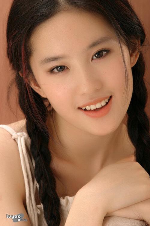 Lưu Diệc Phi tròn 30 tuổi: Hành trình nhan sắc đẹp hoàn hảo từ nhỏ tới lớn - Ảnh 11.