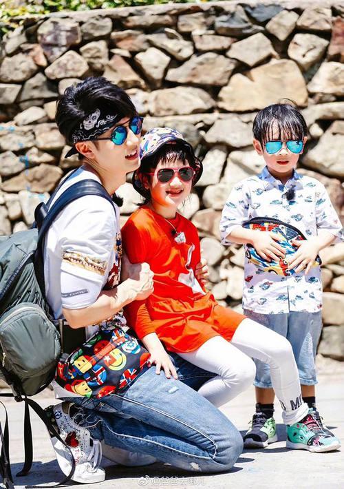 Hé lộ hình ảnh của 2 cục cưng siêu cấp dễ thương nhà Ngô Tôn dự báo sẽ gây bão mạng xã hội - Ảnh 3.