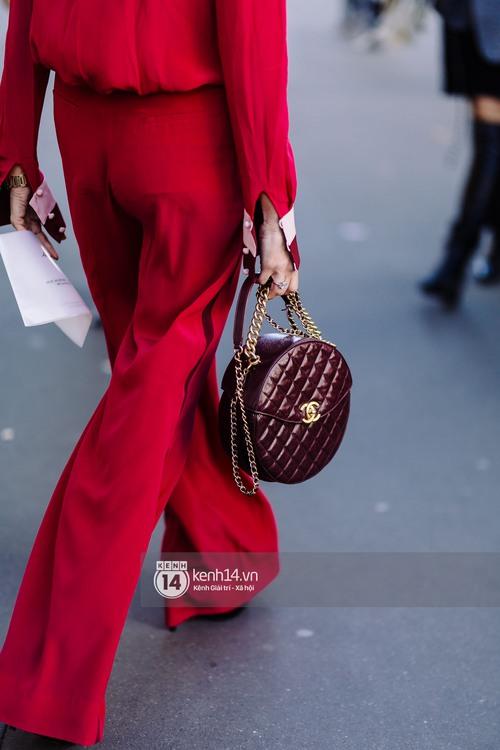 Nếu nghĩ street style tại Paris Fashion Week chỉ là cuộc chiến váy áo thì bạn nhầm to rồi - Ảnh 19.