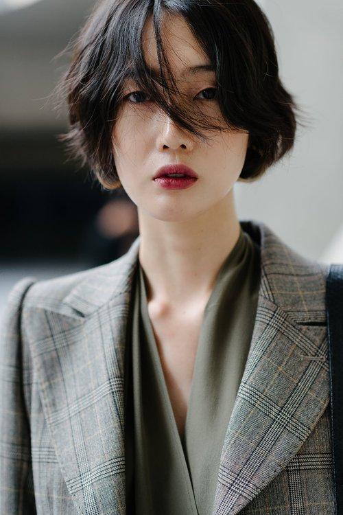 10 xu hướng makeup mùa thu tuyệt đẹp từ sàn runway con gái châu Á có thể áp dụng ngon ơ - Ảnh 3.