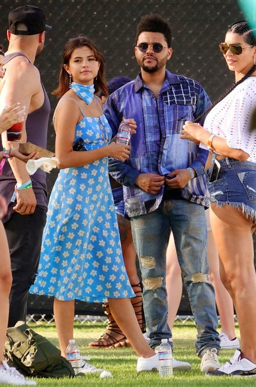 Selena Gomez và The Weeknd được Vogue chọn là cặp đôi mặc đẹp nhất Coachella 2017 - Ảnh 2.