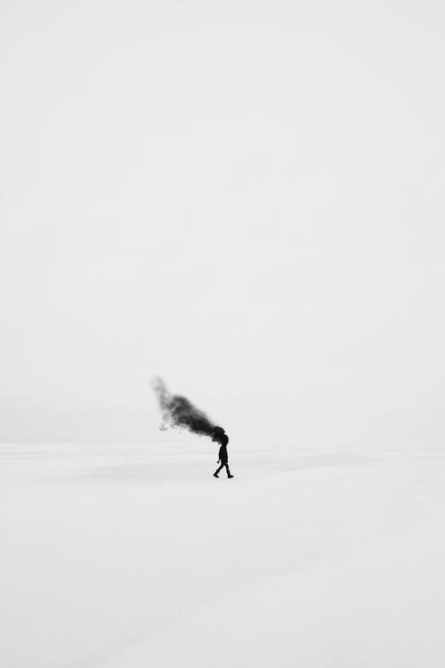 Những hình ảnh siêu thực trong thế giới của chàng trai mắc bệnh trầm cảm - Ảnh 5.