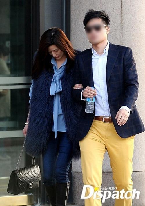 Mợ chảnh Jeon Ji Hyun gây tranh cãi khi mặc đồ sang chảnh đi mua sắm cùng chồng CEO - Ảnh 6.