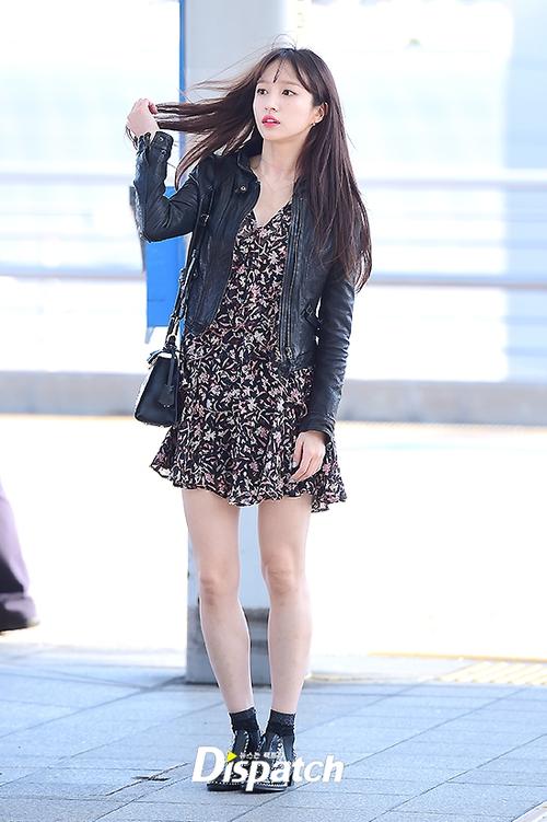 Chỉ bằng vài cái hất tóc, mỹ nhân này đã vươn lên đẳng cấp nhan sắc nữ thần của Suzy và Yoona - Ảnh 2.