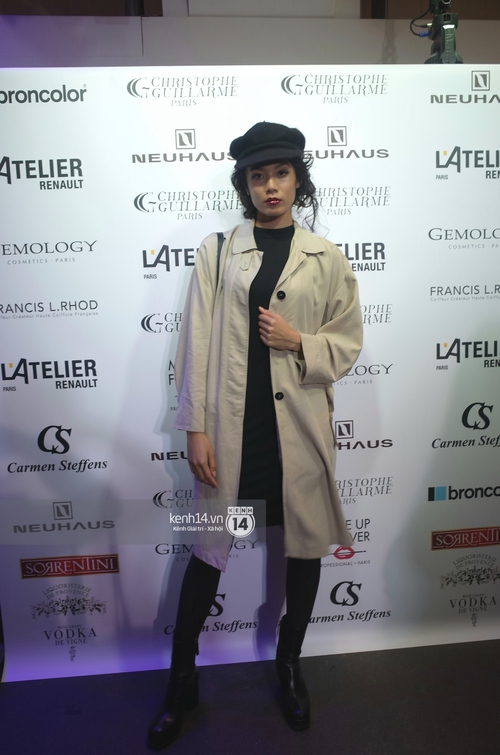 Chân dài kín tiếng này chính là mẫu Việt mở hàng cho Paris Fashion Week - Ảnh 2.