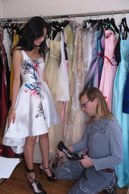 Chân dài kín tiếng này chính là mẫu Việt mở hàng cho Paris Fashion Week - Ảnh 9.