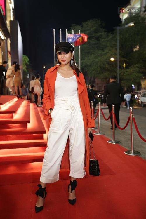 Angela Phương Trinh & Chi Pu quá đỗi sành điệu, công phá thảm đỏ sự kiện ra mắt H&M Việt Nam - Ảnh 5.