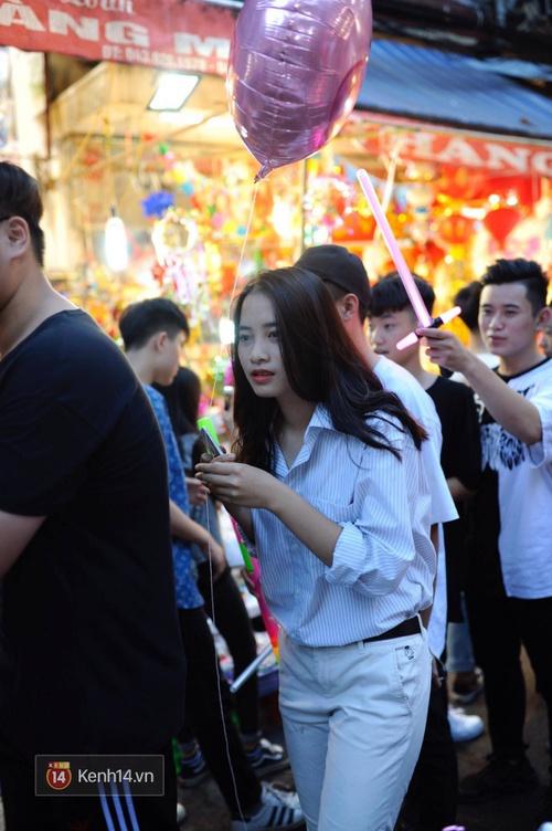 Trung thu vẫn như mọi khi, Hà Nội vui nhất Hàng Mã, Sài Gòn đông nhất phố người Hoa! - Ảnh 4.