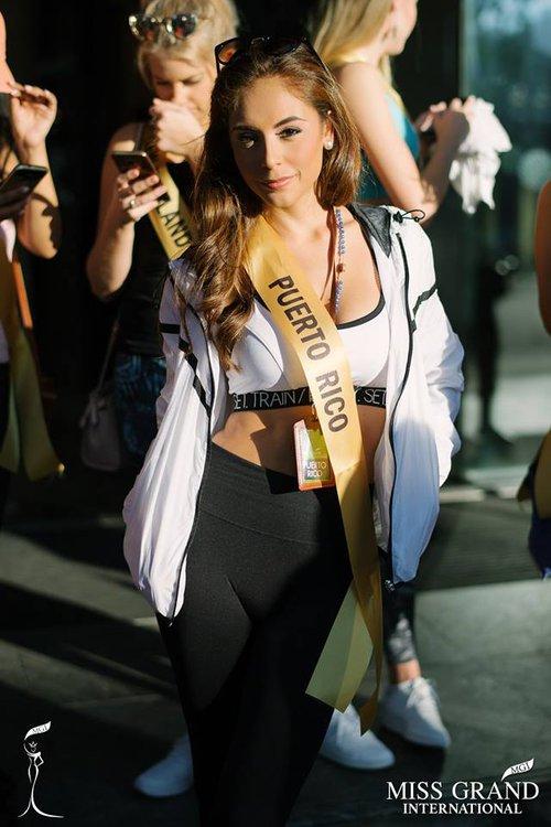 Thí sinh Miss Grand Internationnal 2017 lộ thân hình kém săn chắc - Ảnh 1.