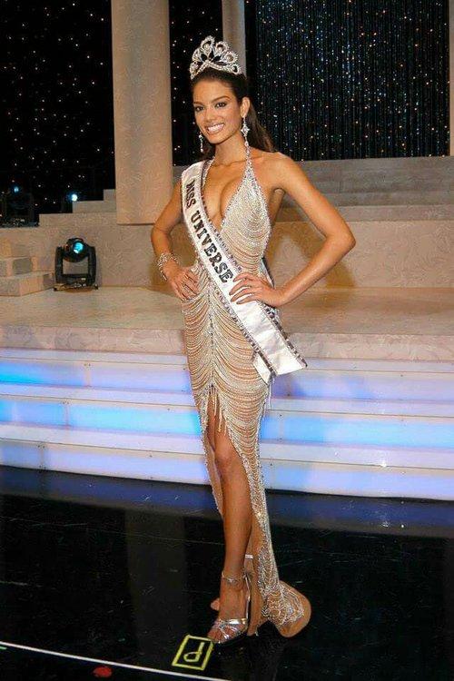 Mỹ nhân đóng MV Despacito chính là Hoa hậu Hoàn vũ 2006 cực xinh đẹp và nóng bỏng! - Ảnh 4.