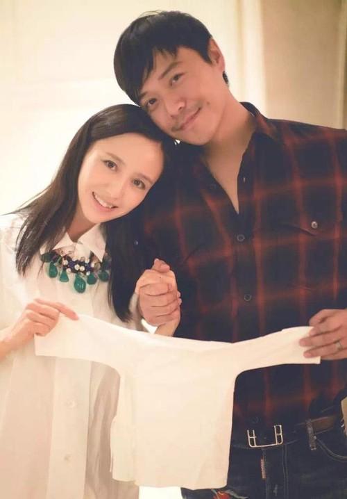 Chồng Đồng Lệ Á lộ quá khứ ngoại tình ngay tại đám cưới Angela Baby - Huỳnh Hiểu Minh - Ảnh 1.