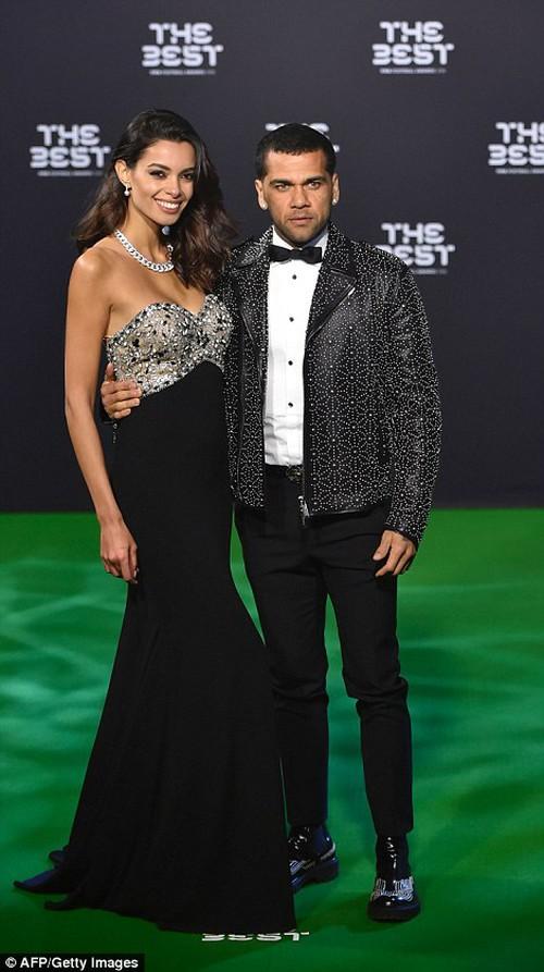 Bạn gái Ronaldo đánh bật nhan sắc sao Hollywood tại Gala FIFA - Ảnh 6.