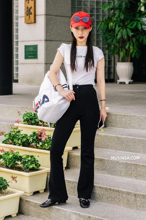 Ngắm street style Hàn Quốc đẹp phát mê, bạn sẽ dạt dào động lực mặc đẹp ngay! - Ảnh 4.