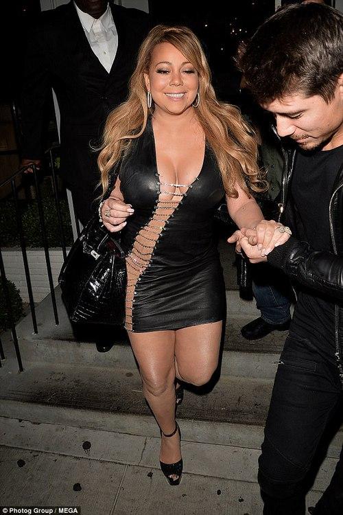 Bụng to đùi mỡ, Mariah Carey vẫn mặc bộ váy vừa hở vừa bó sát để đi hẹn hò trai trẻ - Ảnh 7.