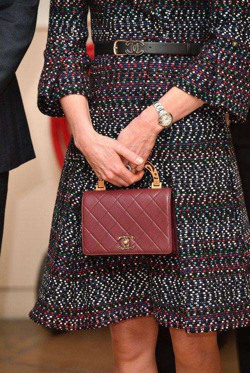 Thường xuyên diện đồ xa xỉ nhưng đây là lần đầu tiên Công nương Kate diện cả cây đồ Chanel hơn 300 triệu đồng - Ảnh 4.