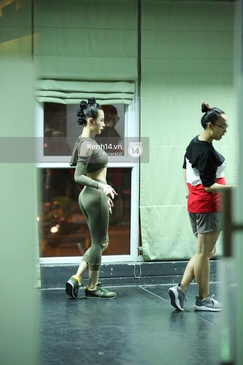 Mặc dù bệnh nhưng Angela Phương Trinh vẫn miệt mài tập vũ đạo đến tận khuya - Ảnh 5.