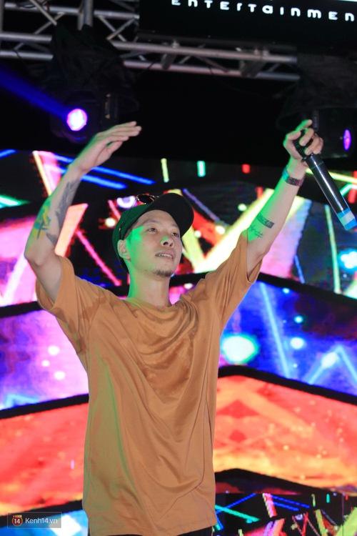 Kimmese và dàn DJ cuồng nhiệt cùng fan Hà Nội trong đêm nhạc EDM sôi động - Ảnh 8.