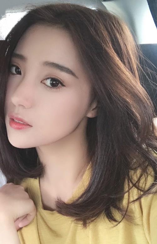 Cô bạn Trung Quốc với vẻ đẹp mong manh, dịu dàng chẳng ai nỡ chối từ - Ảnh 1.