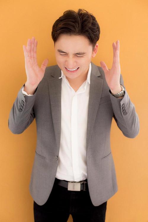 Tiếp tục chọn chủ đề độc, Phan Mạnh Quỳnh khiến fan thích thú khi tung sáng tác về Cá tháng Tư - Ảnh 2.