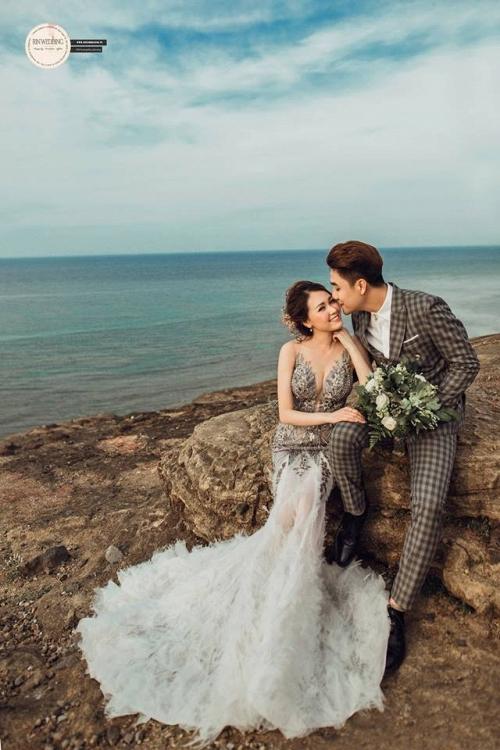 Huy Nam ngọt ngào hôn bà xã trong ảnh cưới đẹp như mơ - Ảnh 3.