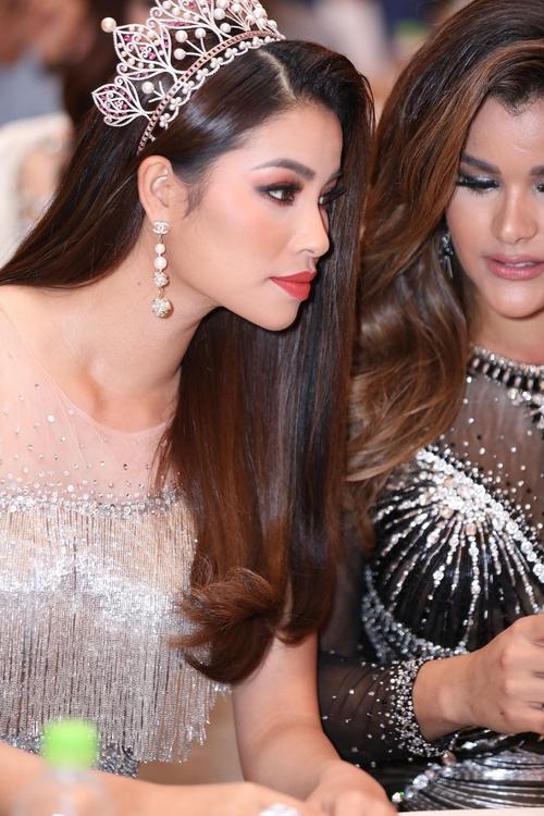 Hoa hậu Hoàn vũ Việt Nam 2017 hé lộ vương miện khủng trị giá 2,7 tỷ đồng đắt nhất từ trước tới nay - Ảnh 5.