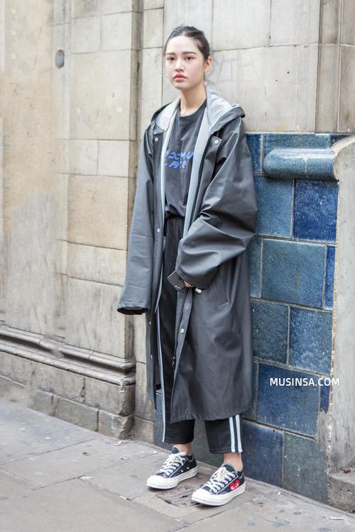 Chỉ với sơ mi, áo phông và một vài item đơn giản, giới trẻ Hàn đã hô biến nên toàn những set đồ đẹp hết nấc - Ảnh 6.