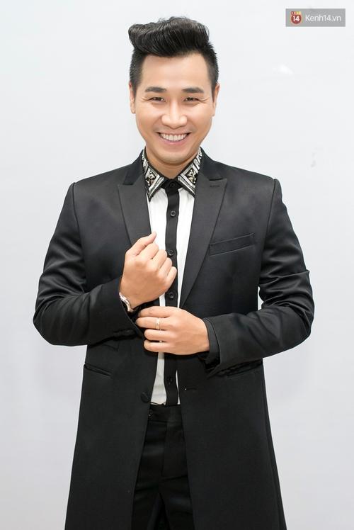 Hoài Lâm cùng bạn gái bất ngờ xuất hiện tại buổi ghi hình Chung kết 1 The Voice - Ảnh 13.