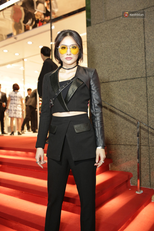 Angela Phương Trinh & Chi Pu quá đỗi sành điệu, công phá thảm đỏ sự kiện ra mắt H&M Việt Nam - Ảnh 28.