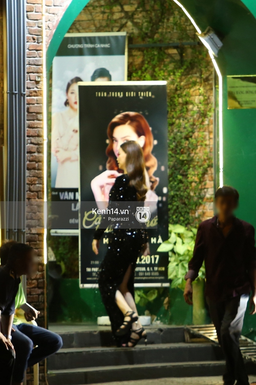 Hà Hồ - Kim Lý lại dính như sam, thân mật ngoài phố và cùng nhau về nhà lúc nửa đêm - Ảnh 8.
