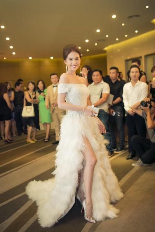 Đỗ Long - NTK ruột của Ngọc Trinh lần đầu lên sàn Vietnam International Fashion Week - Ảnh 12.