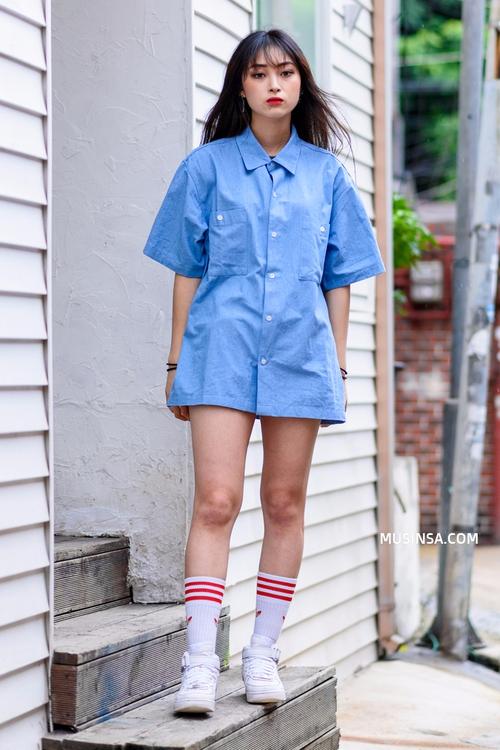 Cùng trưng dụng quần shorts nhưng giới trẻ Hàn lại có cả tá cách mix, cách nào cũng hút mắt thôi rồi! - Ảnh 6.