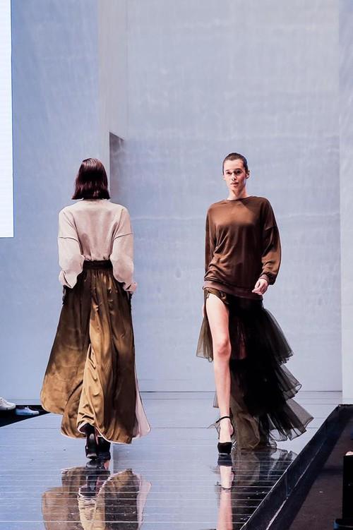 Lần đầu đến Malaysia dự fashion week, Kelbin Lei không ngờ giới trẻ ở đây biết rõ về mình - Ảnh 19.